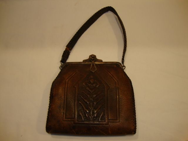 Beautiful Hand-Tooled Floral Art Nouveau Leather  Purse ~ Art & Crafts 1921