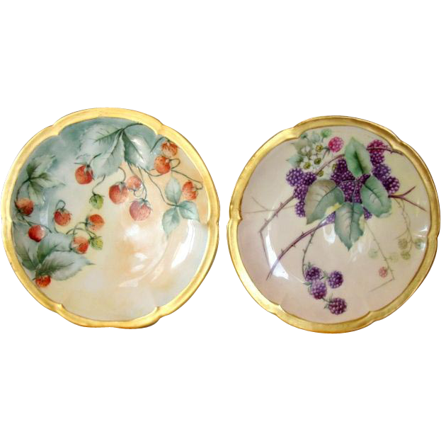 2 Wonderful Limoges Porcelain Cabinet Plate ~ Hand Painted with Red Strawberries & Blackberries~ Theodore Haviland Limoges France 1903-1925