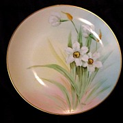 Bavarian Plate by PICKARD Studios,signed by Curtis Marker. Pheasant's Eye Daffodils / Narcissus – Hand Painted- Bavaria / Pickard Studios Chicago IL 1912-1918