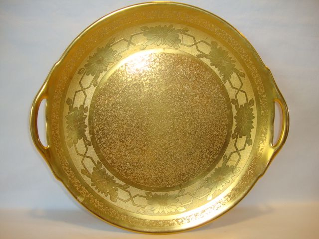 "Beautiful 10 ¾"" W Cake Plate ~ All over Gold ( AOG )~ Daisy Design ~ Stouffer Studios Chicago IL ~ 1925-1938"
