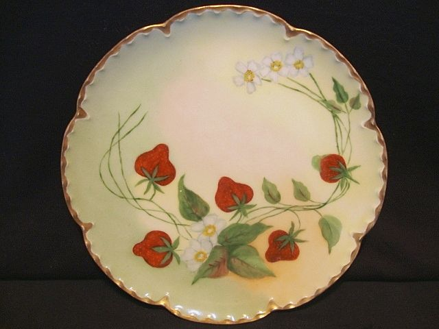 Wonderful Limoges Porcelain Plate ~ Hand Painted with Ripe Strawberries ~ Artist Signed ~ Haviland France 1893-1931