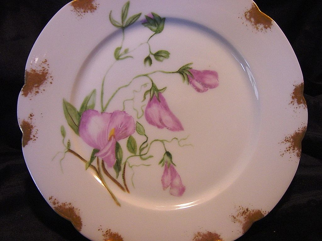 50% OFF!  Eye Appealing Limoges Porcelain Cabinet Plate ~ Hand Painted with Mauve Sweet Peas ~ Artist Initial & Dated ~ Gerard Dufraisseix & Morel  (GDM / CFH) 1882-1890