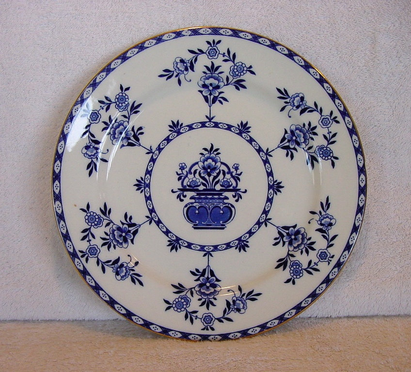 "Large Blue & White Cabinet Plate ~ Pattern ""The Duchess"" By  Doulton & Burslem 1891+"