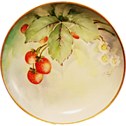 Ginori Italy Cabinet Plate ~ Artist Signed ~ Hand Painted with Delicious Ripe Strawberries ~ (Richard-Ginori) 1920+
