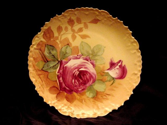 50% OFF Limoges Wall Plate Hand Painted with Dark Pink Variegated Roses – BH Limoges 1890-1910
