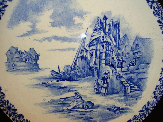 Nice French Faience Cabinet Plate ~ Ocean Side Scene ~ HAUTIN & BOULANGER (or BOULENGER) (Choisy-le-Roi, France) - ca 1890 - ca 1930s