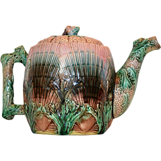 Teapot ~Etruscan Majolica ~ Seaweed / Seashell~ Griffen, Smith, Hill ~ Phoenixville, PA 1879-1892