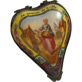 18th Century Heart Shape Sceaux Bonbonniere Enameled Scene La Joueuse de Vielle - The Hurdy-gurdy Player
