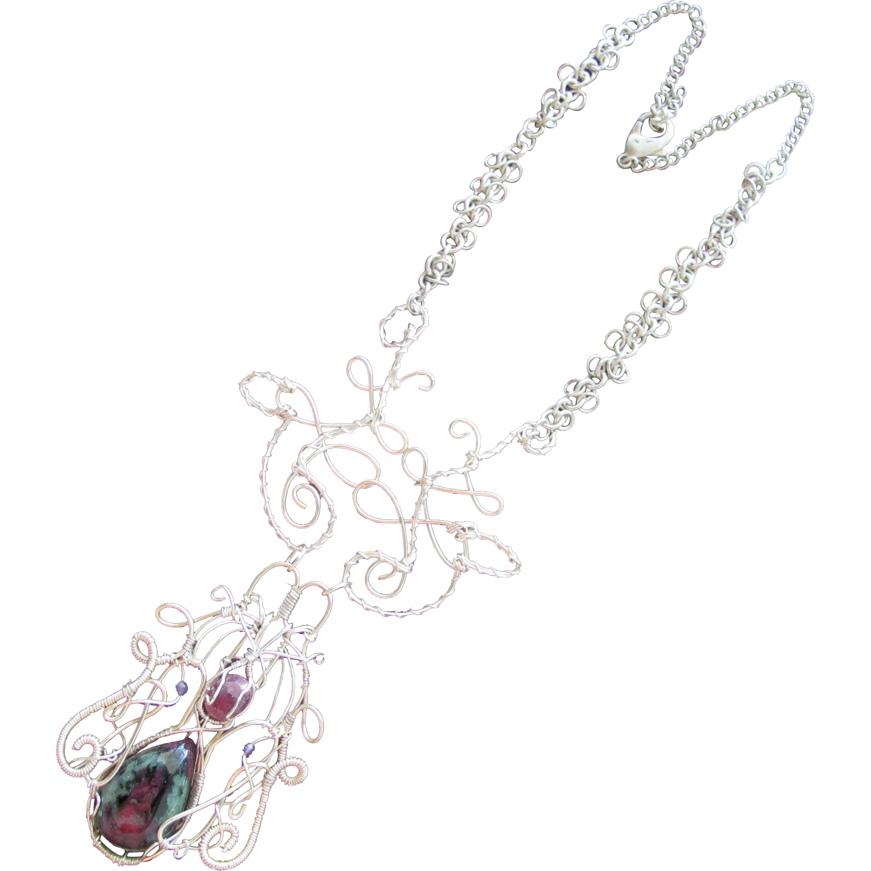 Pendant Necklace with Stone in Silver Wire and Chains