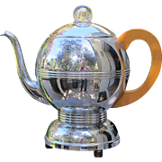 Art Deco Coffee Pot Percolator with Creamer and Sugar Set in Chrome