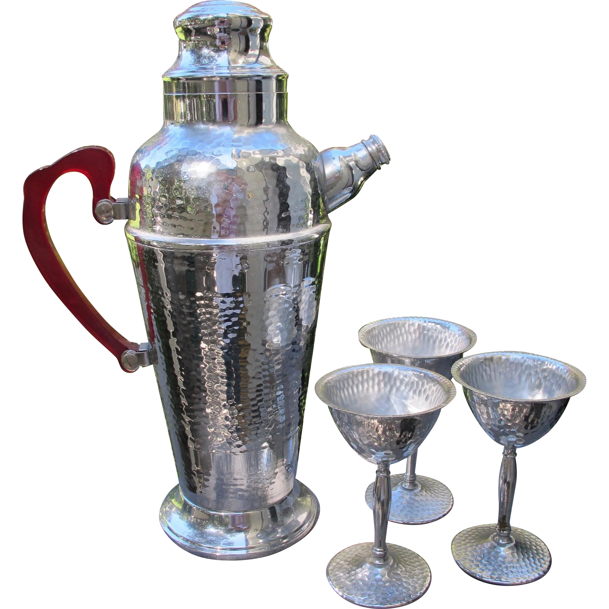 Art Deco Martini Shaker in Chrome and Red Bakelite with Three Martini Glass