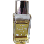 Chanel Mini Perfume Bottle Eau de Toilette No. 19