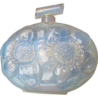 Caron Perfume Bottle Crystal Opalescent Glass Rare Perfume Voeu de Noel Christmas Wish