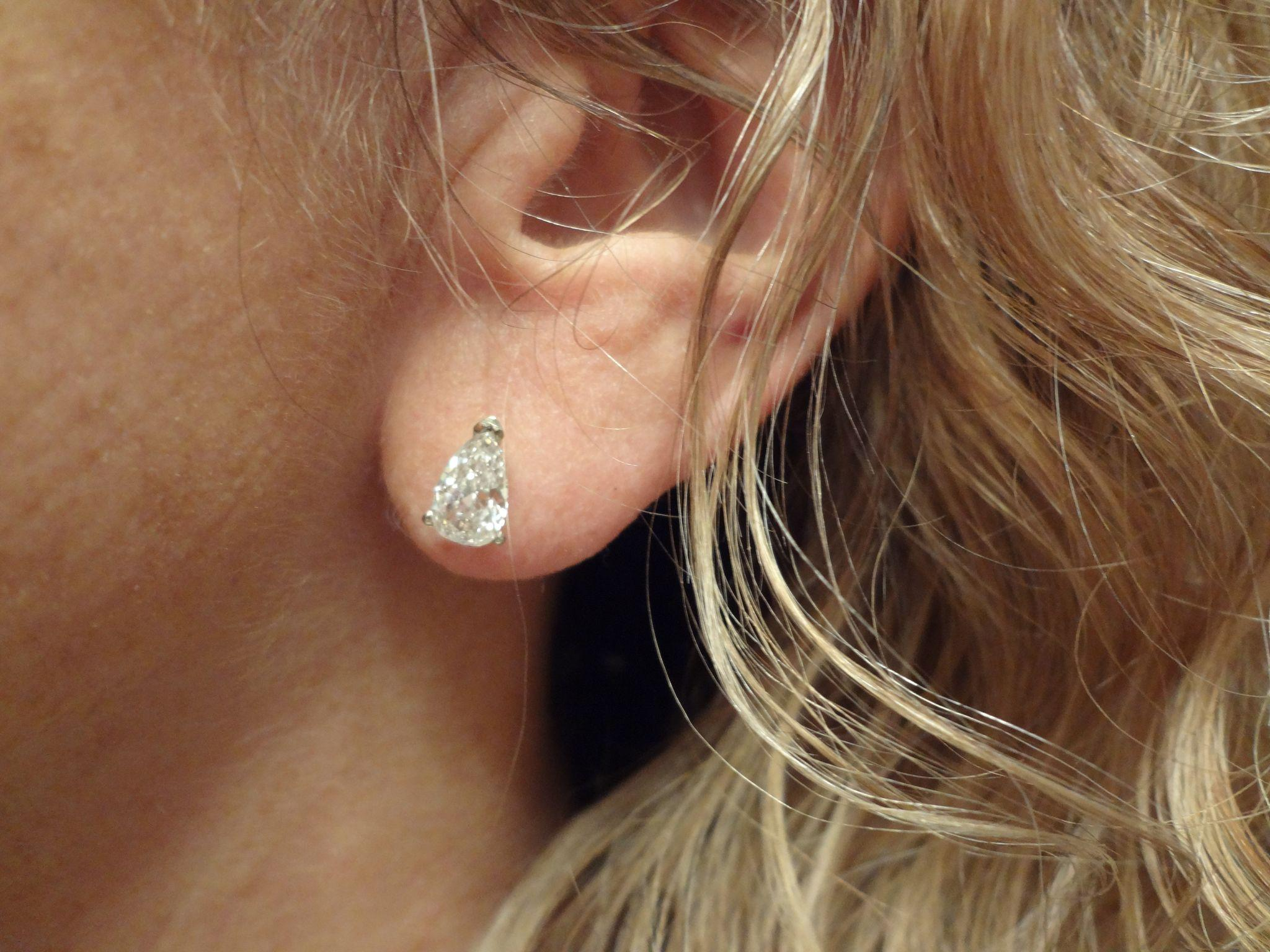 stud is gold white shaped crafted studs diamond the sku ct earring jewelry beautifully with in wg pear nl