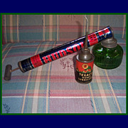 Vintage Texaco Home Lubricant 3oz. Can & Hudson Pump Sprayers Dusters