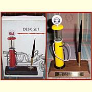 Oldsmobile Service Desk Set Miniature Visible Gas Pump and Service Globe