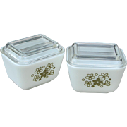 """TWO Early Pyrex """"Spring Blossom"""" a/k/a """"Crazy Daisy"""" Small Fridge Dishes complete with Vintage Lids"""