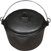 """Vintage Itty Bitty Wagner Ware """"Hot Pot"""" Tiny Cast Iron Kettle w Lid"""