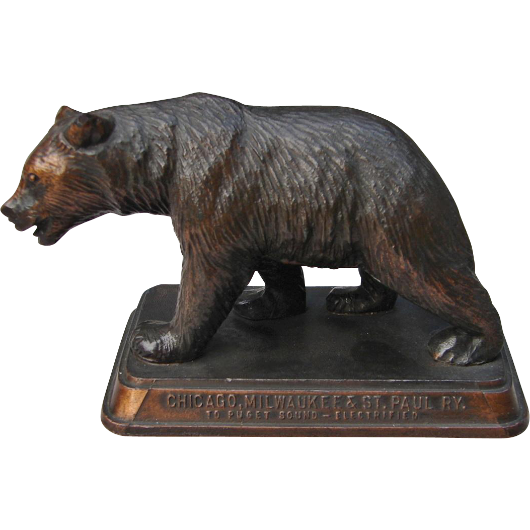 "Vintage Chicago Milwaukee & St. Paul Railroad Grizzly Bear Figurine ""Gateway to Yellowstone"" CM&StPRY"