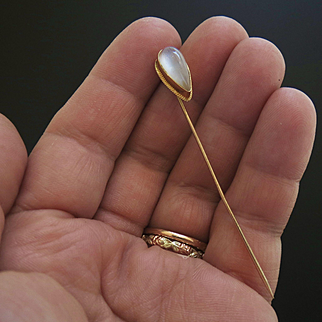 10k Gold Antique Teardrop Moonstone Cabochon Stickpin