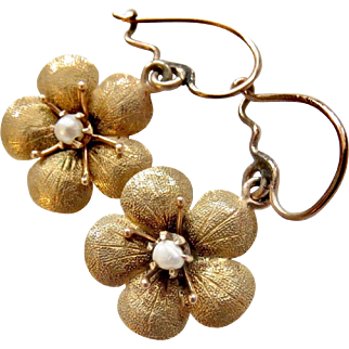14k Gold Victorian Forget-Me-Not Flower Earrings with Seed Pearl Centers