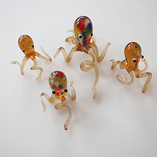 Art Glass Peachy Pink Octopus Family