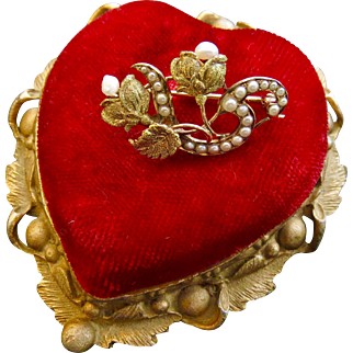 10k Victorian Gold Seed Pearl and Flower Sweetheart Brooch