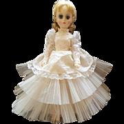 Vintage Madame Alexander Elise Bride Doll 17 Inch Gorgeous Face