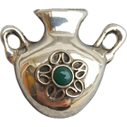 Sterling Silver Brooch with Green Onyx Mexican Olla 4.5 Grams