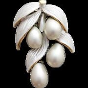 1960s Jingly Jangle Multi Dangle Brooch Faux Pearl Drops