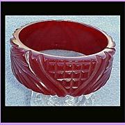 LAVISHLY Carved Vintage Bakelite Bangle Bracelet Valentine's Day Gift