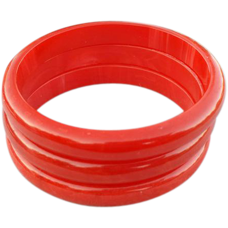 Three Bakelite Bangle Bracelets Swirling Shades in True Red
