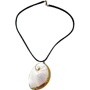 Big Bold 1970s - 1980s Real Shell Necklace 18 - 22k Gold Trim Mint