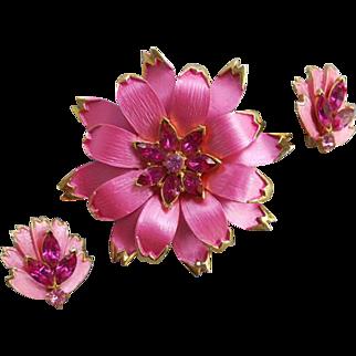 Superb Vintage Brooch and Earrings Hot Pink Fuchsia Rhinestones 1960s