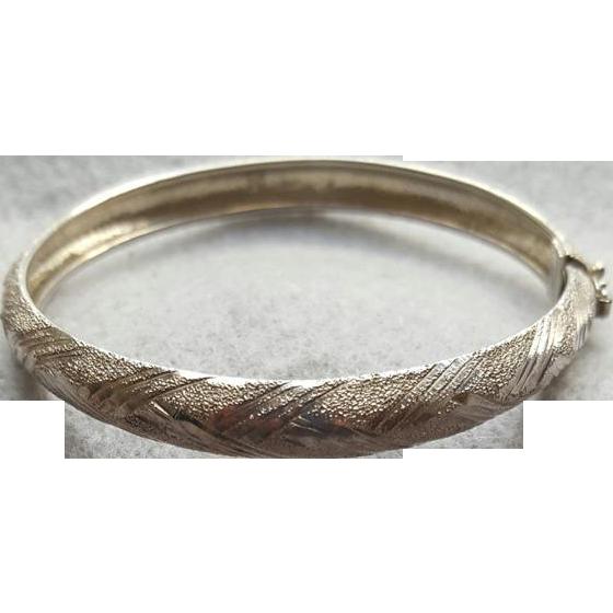 Vintage Sterling Silver Bracelet Diamond Cut Oval Shape