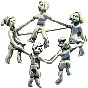Vintage Sterling Silver Brooch Children Dancing in a Circle 8 Grams