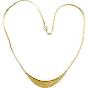 Graceful Vintage Necklace Gold Tone Trendy Chic Swoop