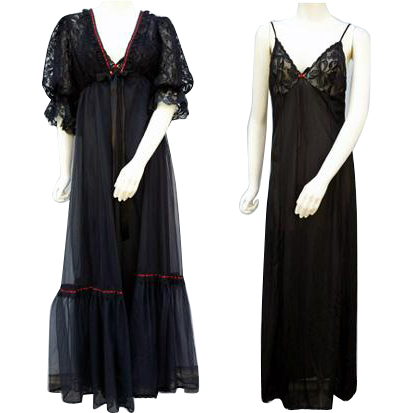 Vintage 1960s  Nightgown and Peignoir Sultry Black Size Small