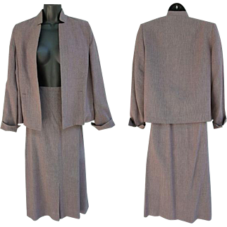 Womens Vintage Tweed Suit Classic Size Md - Lg