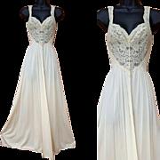 Vintage Ivory White Olga Nightgown Size Large L Bodysilk Beautiful