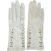 White Kid Leather Gloves 1960s Embroidered Roses Unworn Size Small