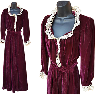 Rich Wine Velvet Dressing Gown 1930s Lingerie Medium