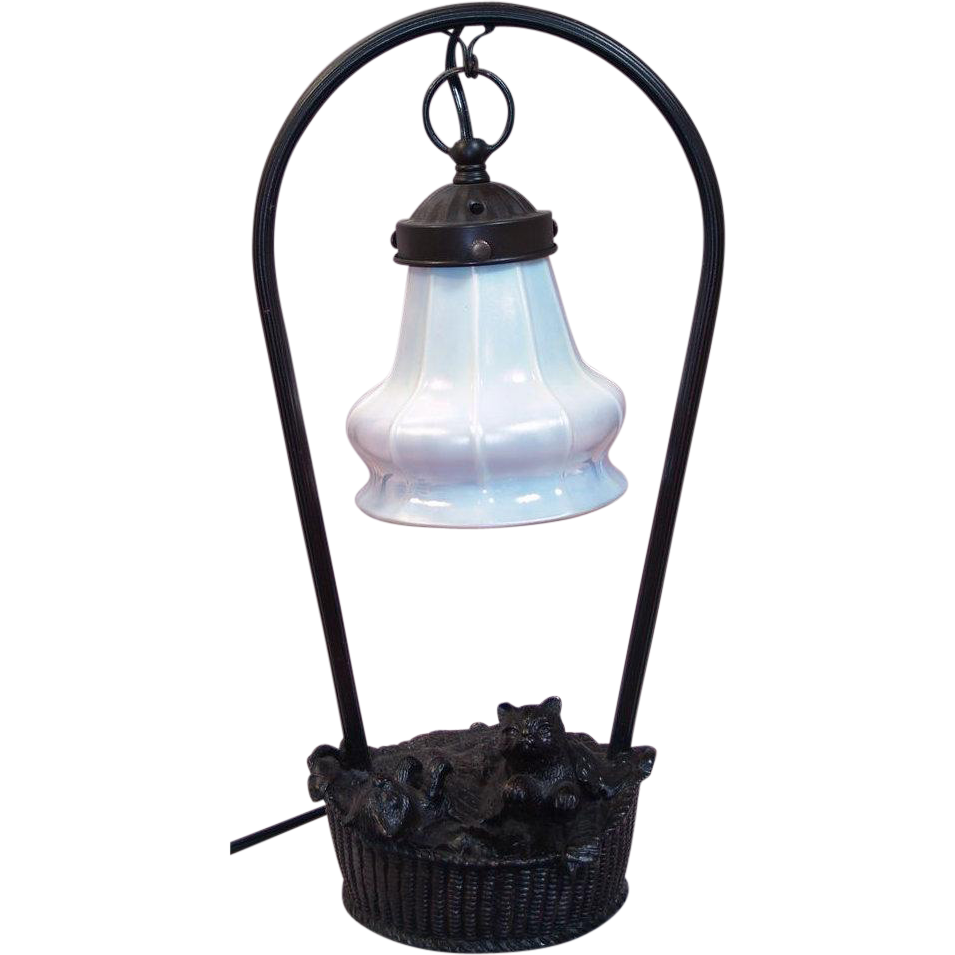 Vintage Cats in a Laundry Basket Novelty Lamp - Steuben Glass Calcite / Aurene Shade