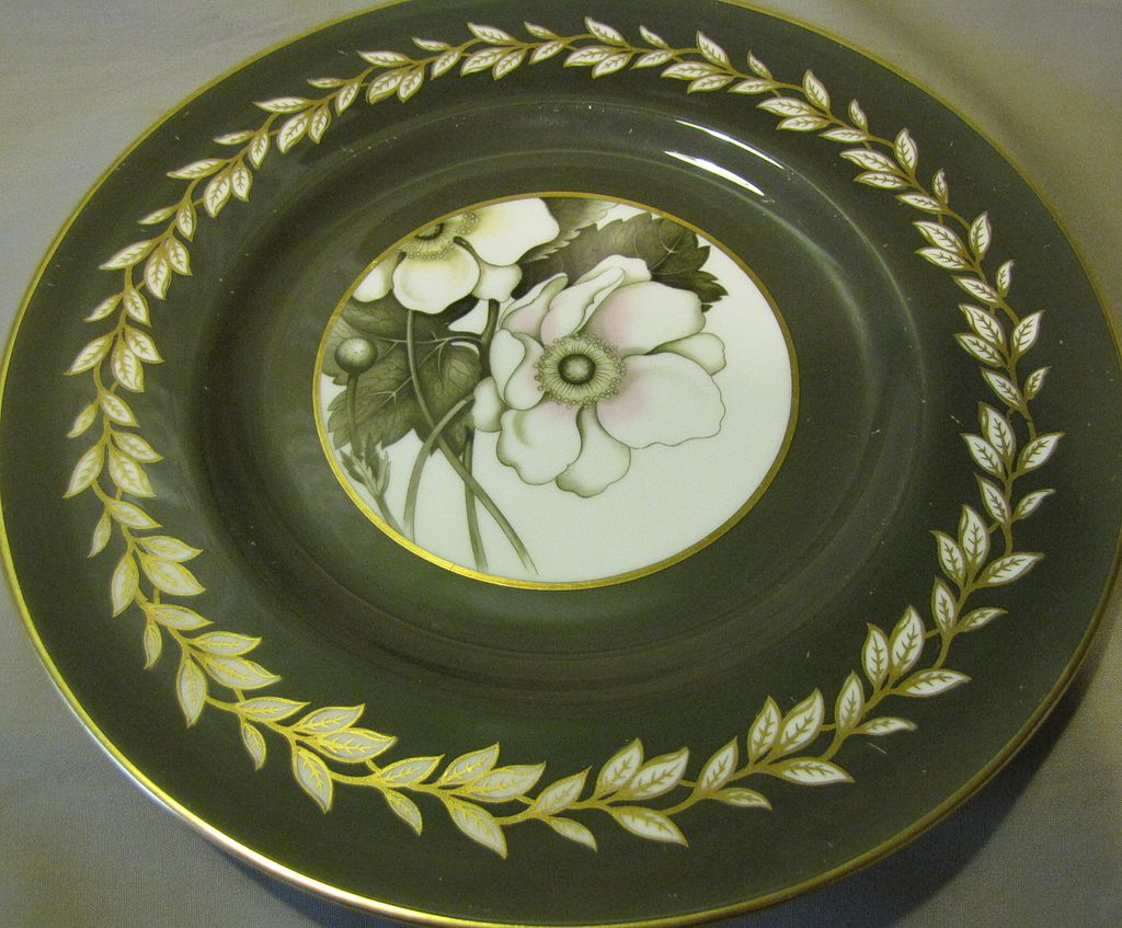 Lovely Royal Worcester Porcelain Plate, ANEMONE, 1944-55.