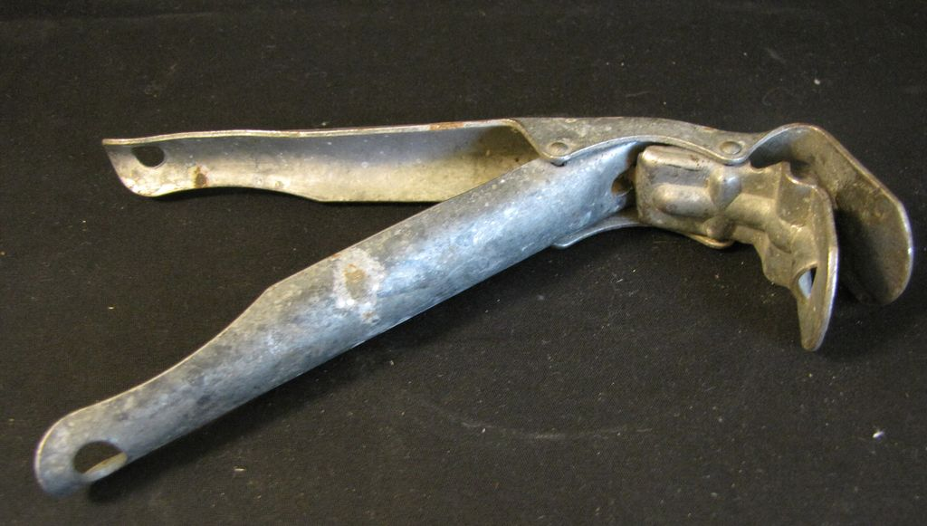 Vintage Aluminum Pot or Pan Grabber, 1940's