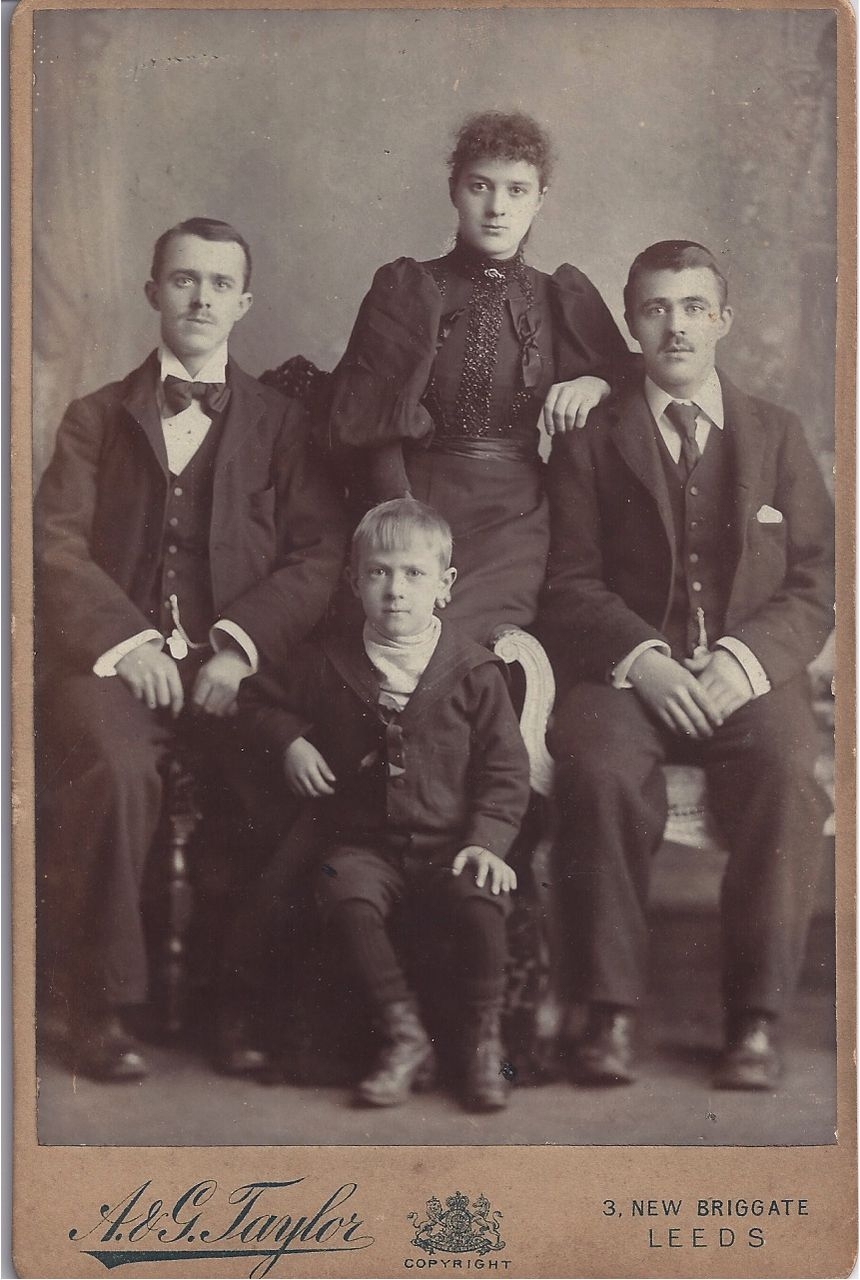 Victorian Cabinet Photograph of a Family Group of 4.