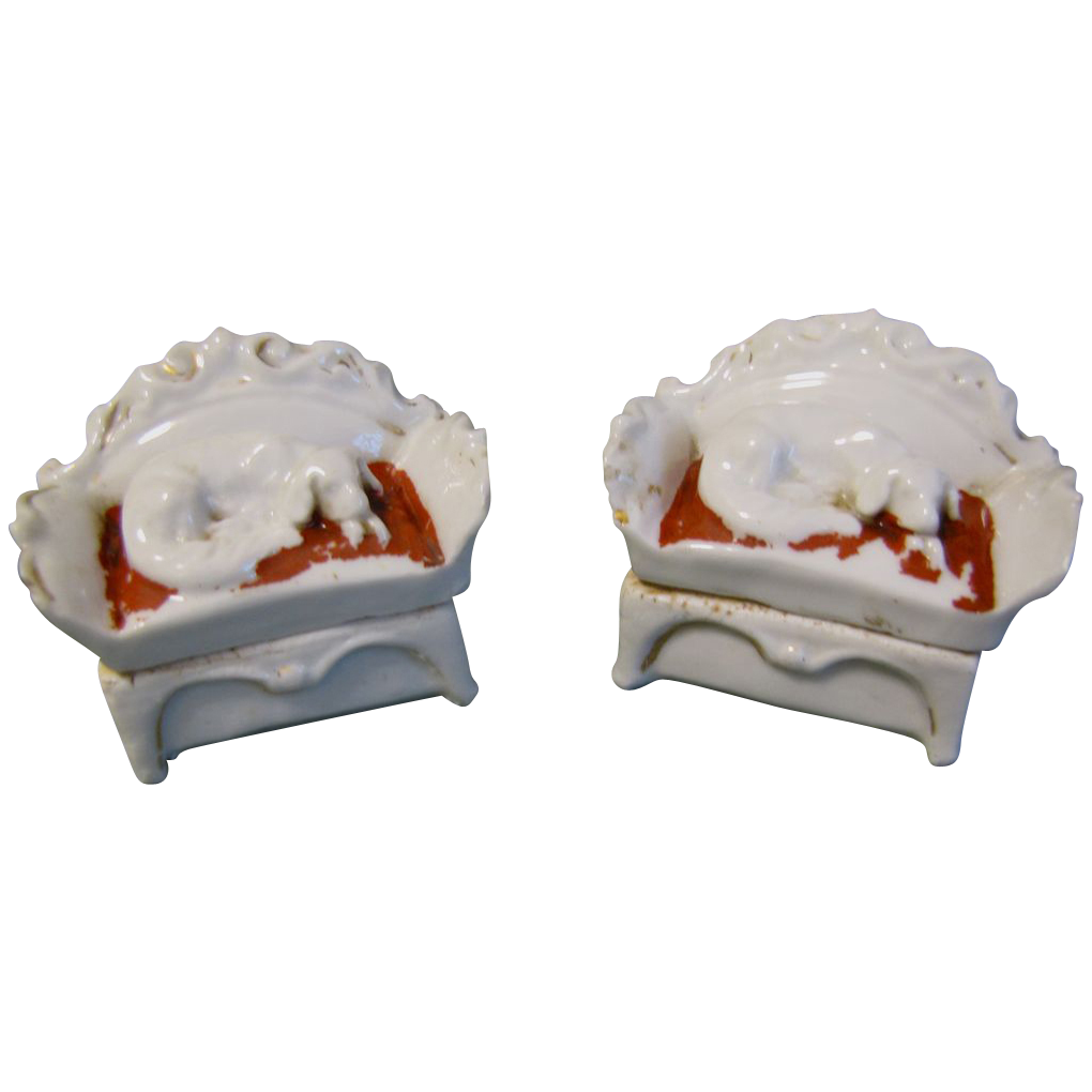 Pair of Early Fairing Trinket Boxes Reclining Dogs from  : 25391L from www.rubylane.com size 1020 x 1020 png 468kB