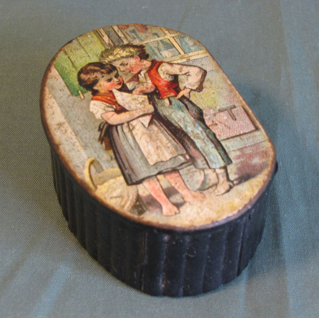 Lovely Antique Papier Mache Snuff Box, Image of Children