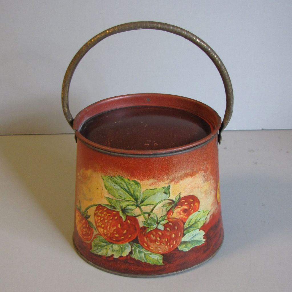Vintage French Jelly/Jam Tin Strawberries & Apples