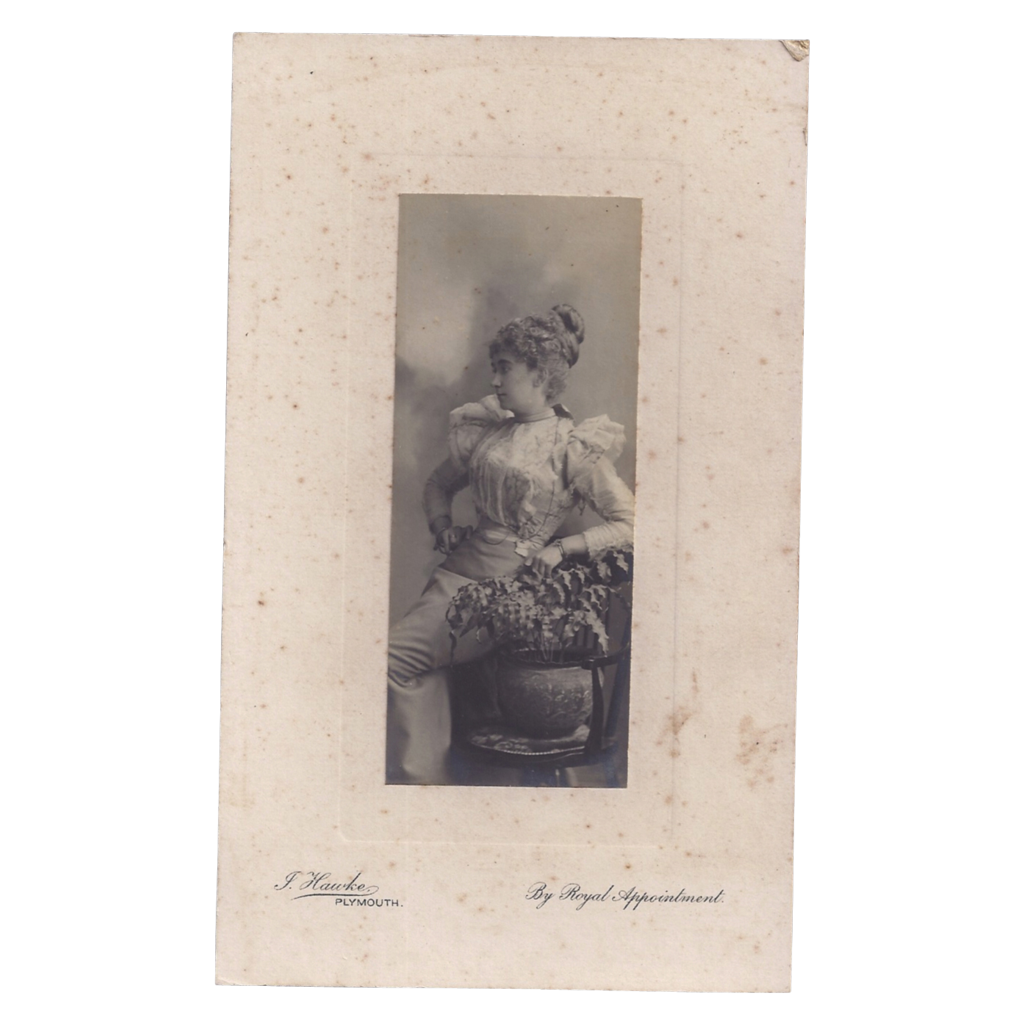 Victorian Photograph of Glamourous Lady